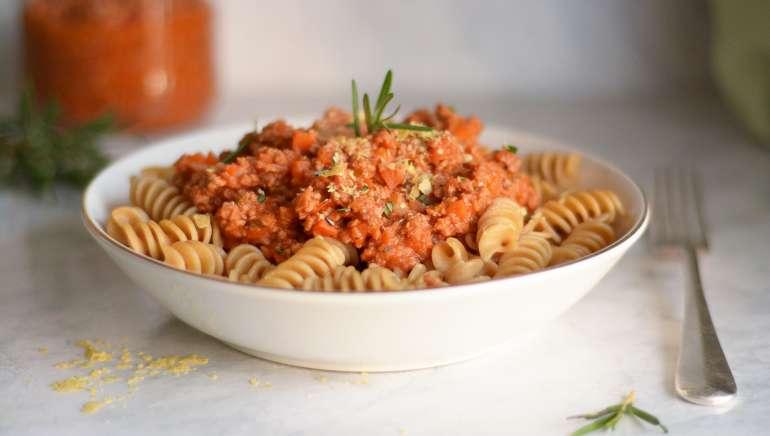 Veganska bolognese omaka