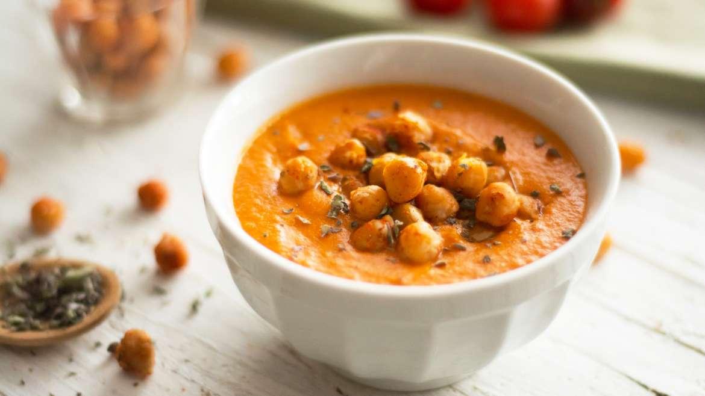 Paradižnikova kremna juha s pečeno čičeriko