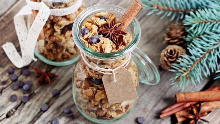 Hrustljava domača granola (z manj maščobe)