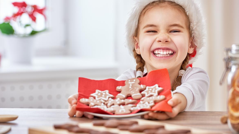 9  slastnih in zabavnih domislic za praznično ustvarjanje z otroki