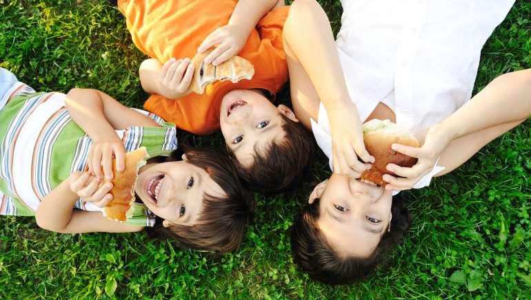 14 slastnih idej za slane piknik prigrizke za otroke